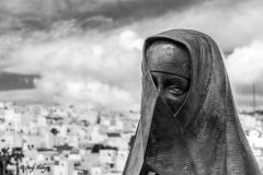 Standbild Andalusien vor weißer Stadt - Andy Ilmberger