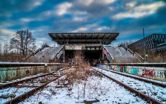 Alter-Bahnhof-München-am-Olympiastadion-aus-dem-Jahre-1972.-Einer-der-wenigen-Lost-Places-in-München.-©-Andy-Ilmberger